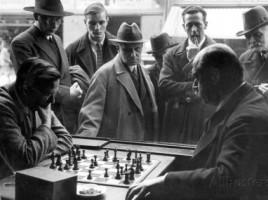scherl-chess-players-in-cafe-stephanie-in-munich-1931